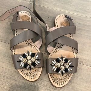 Shoes - Cute pair of sandals with stones